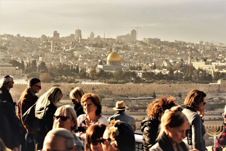 Israel is Forever sur le Mont des Oliviers, face au Mont du Temple